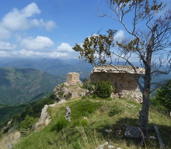 Journées du patrimoine 2020 - Annulé | Randonnée contée sur le site des Tours de Cabrenç-Serralongue