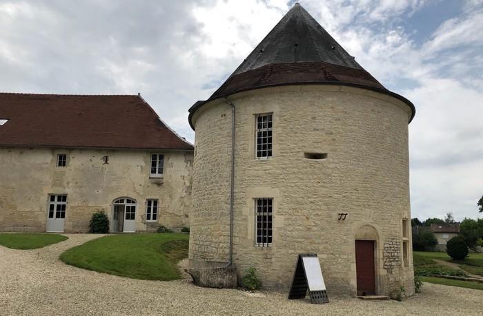 Journées du patrimoine 2020 - Visite d'une tour Renaissance et d'une exposition d'outils et d'ustensiles anciens