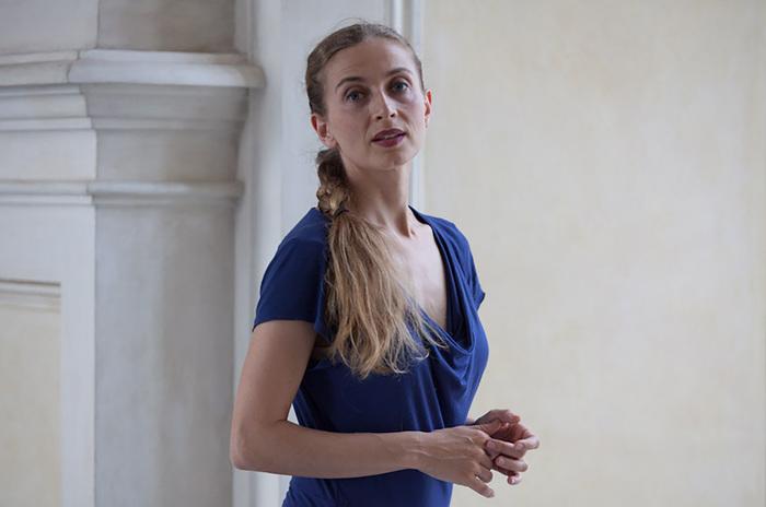 Nuit des musées 2019 -Conversation, dialogue ouvert avec la danse — Ambra Senatore