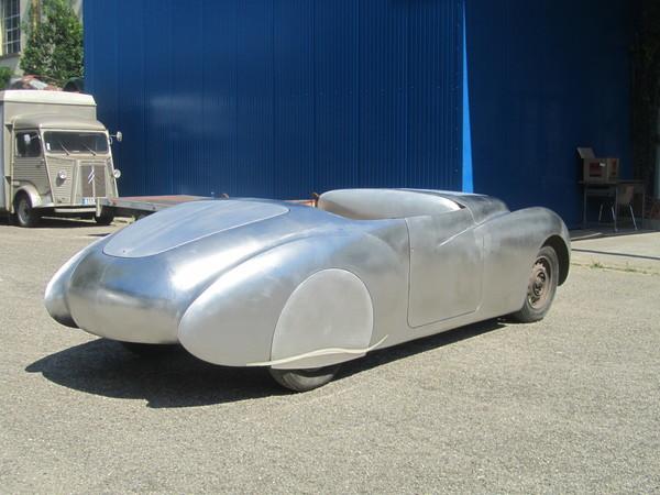 Découverte d'un atelier de restauration de carrosserie automobile