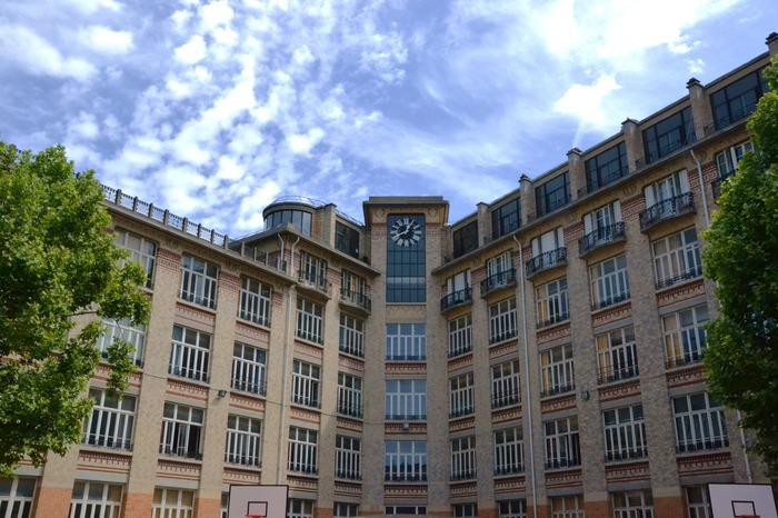 Journées du patrimoine 2018 - À la découverte de l'architecture du lycée Jules-Ferry, édifice scolaire du premier XXe siècle.