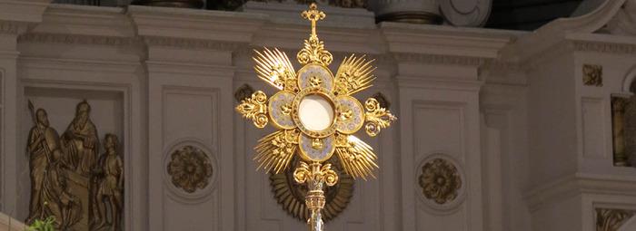 Adoration eucharistique au Sanctuaire du Saint-Sacrement (Montréal)