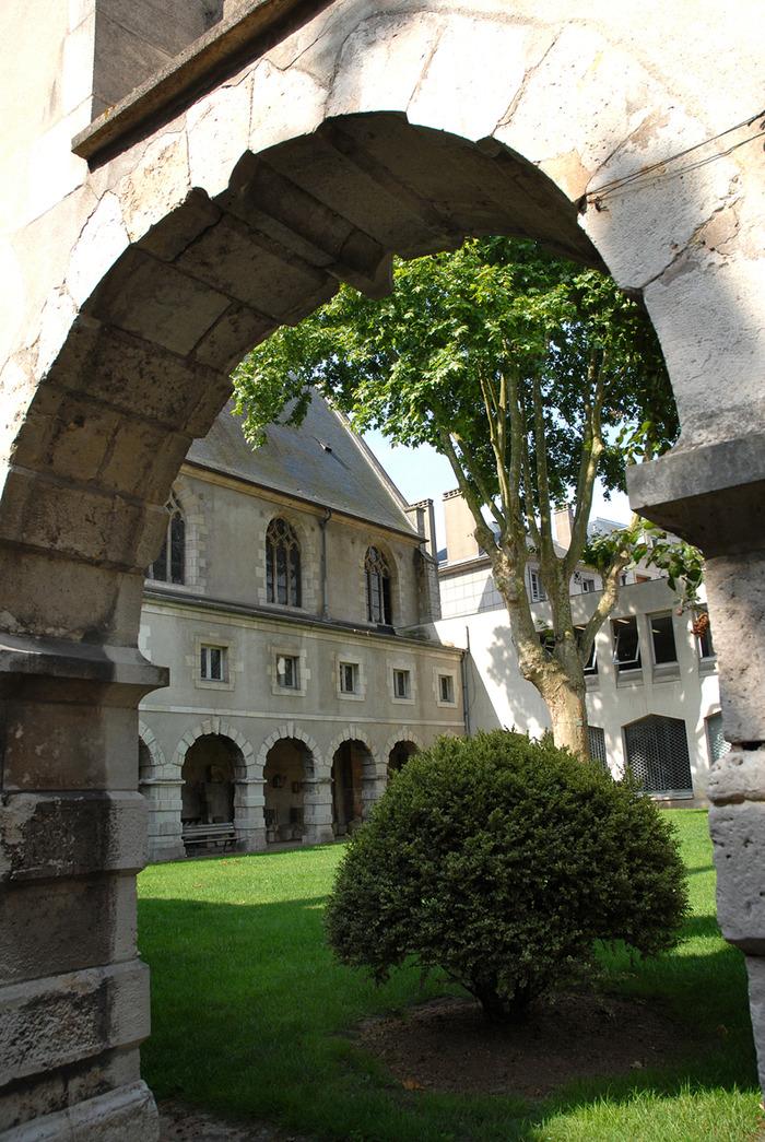 Crédits image : Archives départementales du Loiret
