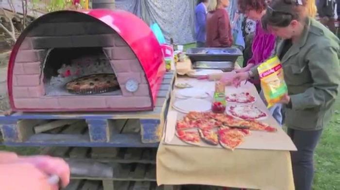 Journées du patrimoine 2018 - Atelier de cuisine et et animations artistiques autour d'un four à pain.