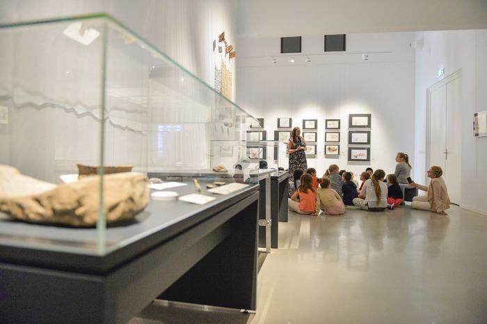 Crédits image : Atelier pour les enfants à la Maison de l'Archéologie, CD62/Dircom
