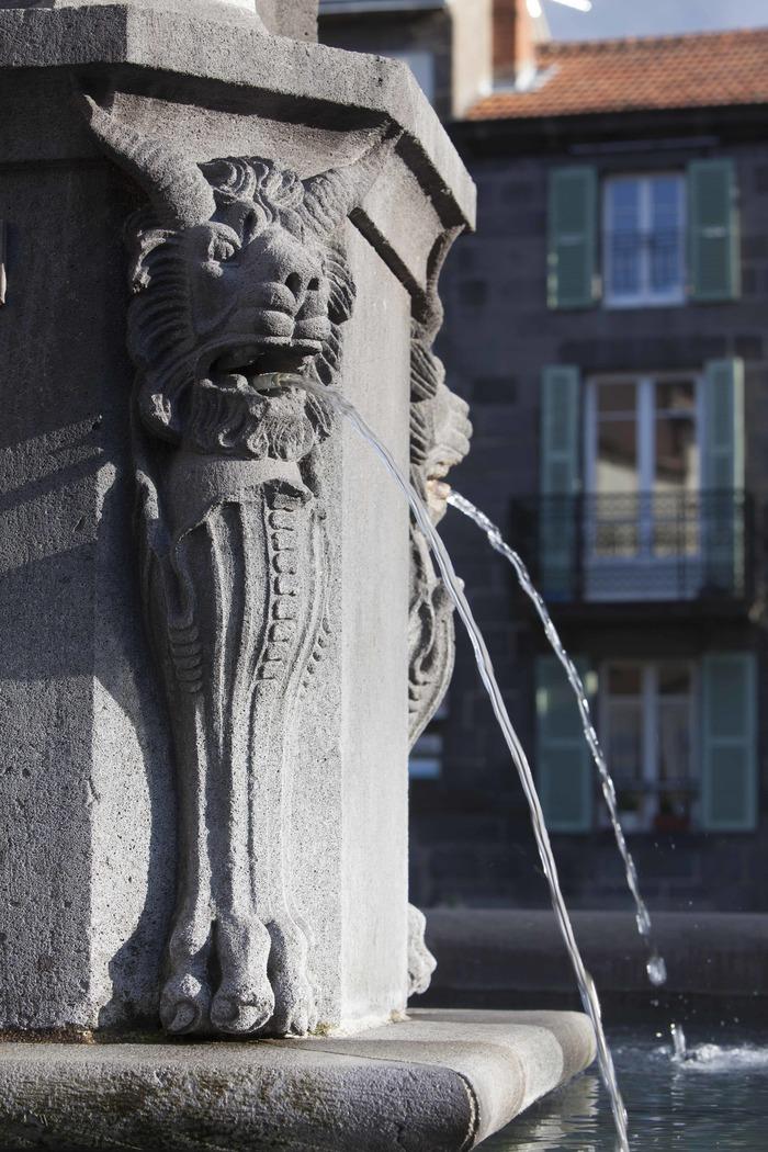 Journées du patrimoine 2018 - Balade dans la cité de la pierre et de l'eau : Volvic.