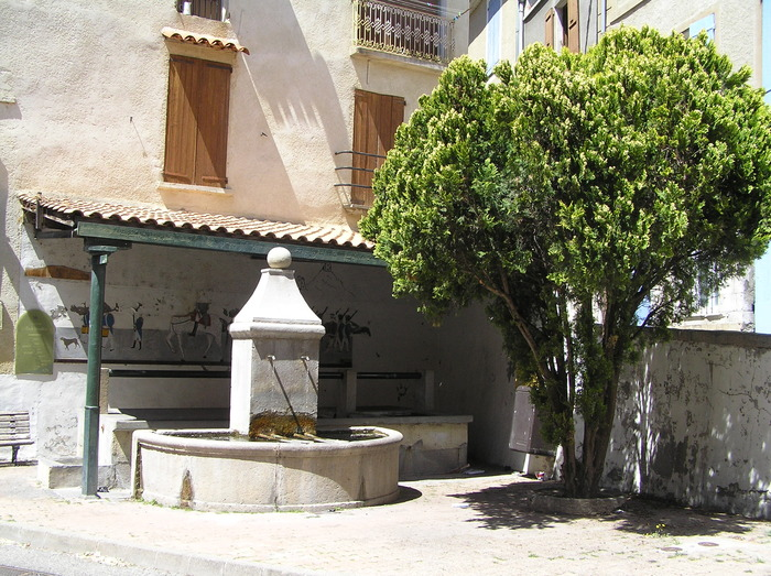 Journées du patrimoine 2018 - Balade poétique à la fraicheur des fontaines et du village médiéval