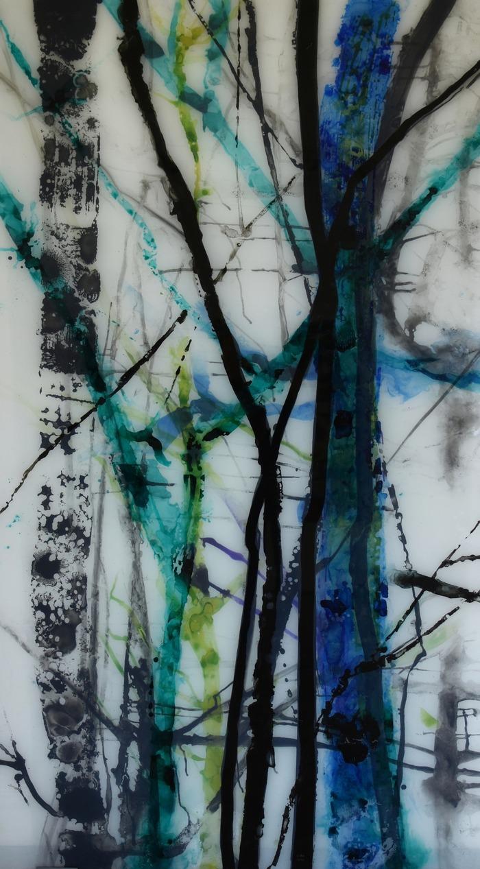 Crédits image : Carole Benzaken, Trees, 2017, encre de Chine sur verre feuilleté, photo musée de Louviers