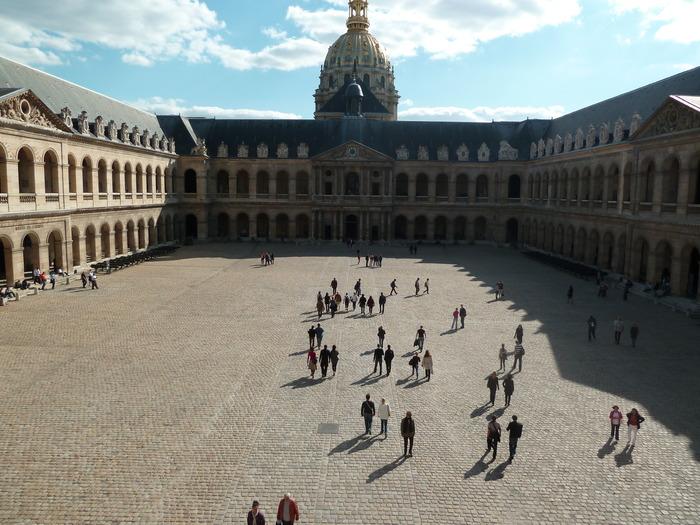Crédits image : Cour d'honneur des Invalides (c) musée de l'Armée - Paris