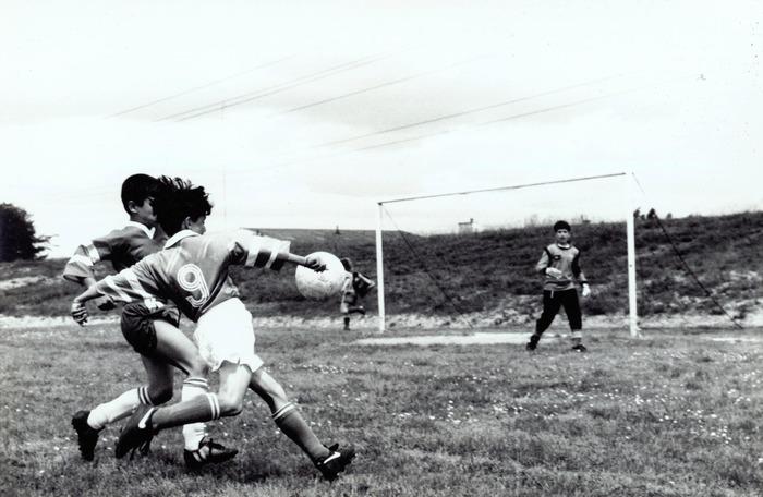 Crédits image : © Archives municipales de Cenon, 1993, match de football à La Blancherie