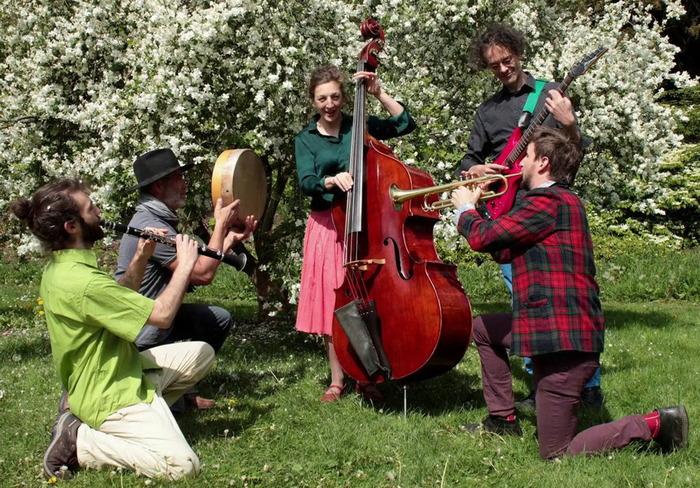 Charlenitsa et le Chtok-Tok Orchestra