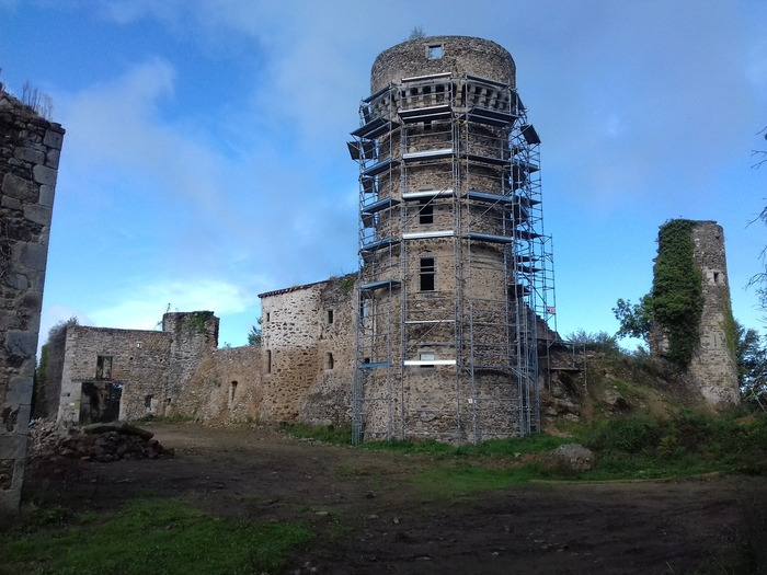 Journées du patrimoine 2018 - Château de la Faye : visite et danses folkloriques.