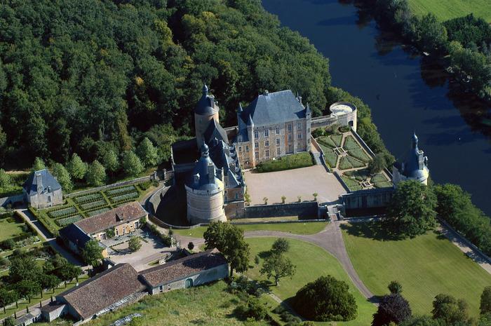 Crédits image : ©Herta Ogilvy - Chateau de Touffou,  86300 Bonnes