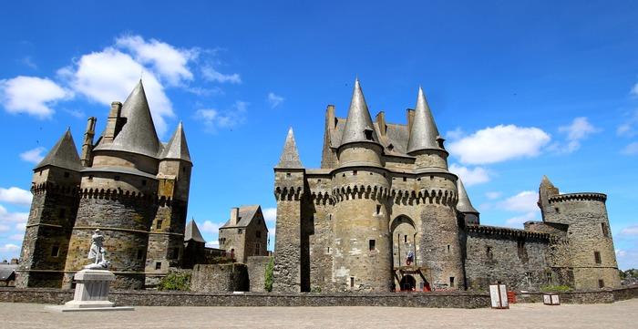 Crédits image : Château de Vitré, façade orientale, cl. Laura Prince