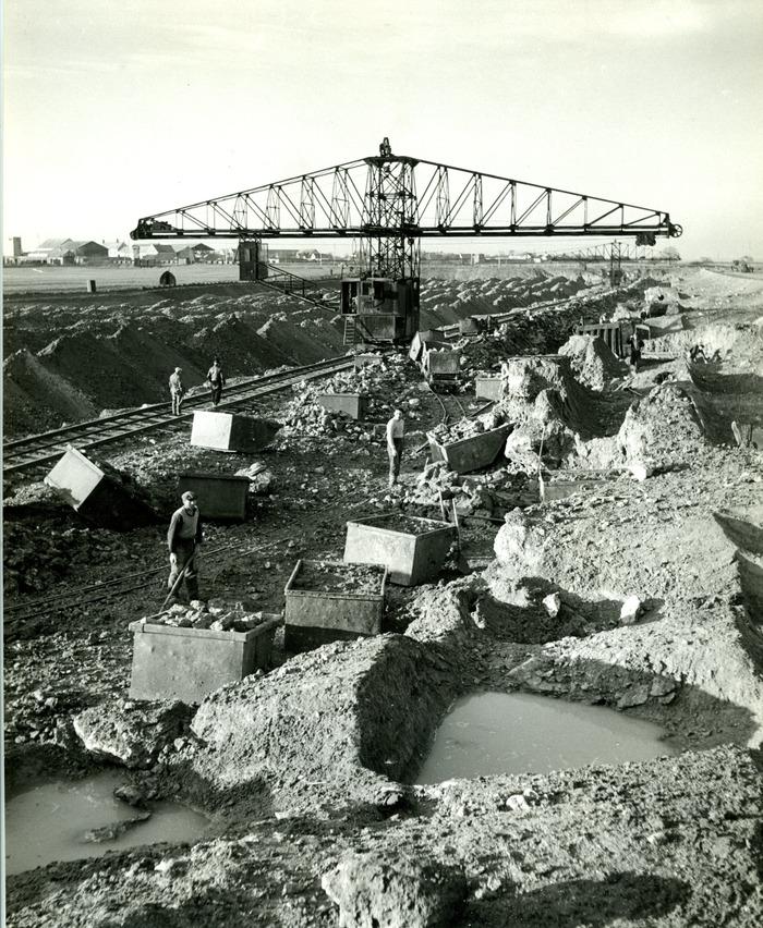 Crédits image : collection Piketty, ville de Grigny, exploitation industrielle, plateau de la Grande Borne