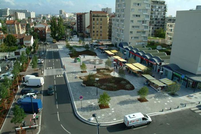 Crédits image : La place Jean-Mermoz, Ville de Bois-Colombes - Studio des Bourguignons/Richard Loret