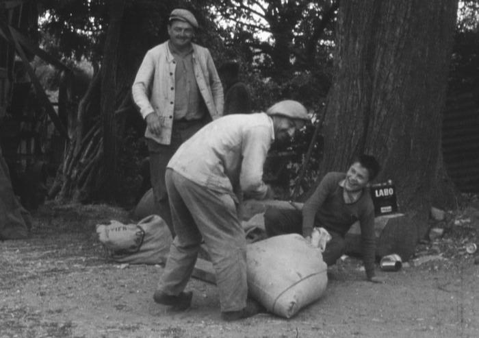 Crédits image : Saint-Angel en 1957, image extraite - Fonds Blanc/Collection Photothèque63/AD63 (Cote 8 Ci 1)