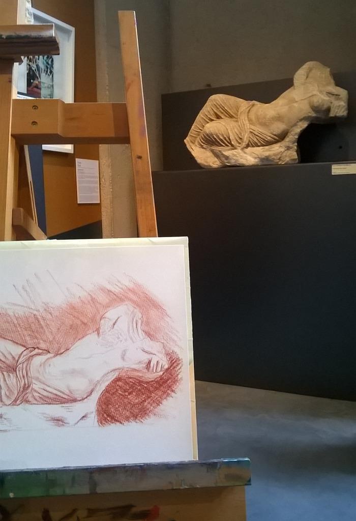 Cours de dessin au musée