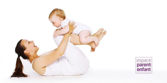 Action suspendue : Danse parents-bébé