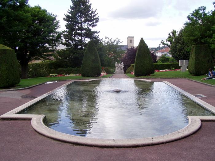 Journées du patrimoine 2017 - De l'usage de l'eau dans la ville : Bourgoin-Jallieu, de bassins en fontaines
