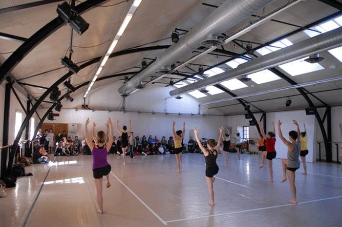 Journées du patrimoine 2018 - Déambulation dansée et vidéo dans les studios du département danse et les escaliers du Grenier d'Abondance