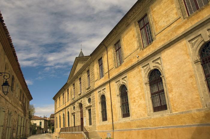 Journées du patrimoine 2018 - Découverte de l'Abbaye-école de Sorèze et du musée Dom Robert et de la tapisserie du XXe siècle.
