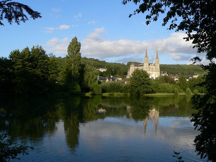 Crédits image : © Basilique Notre-Dame de Montligeon