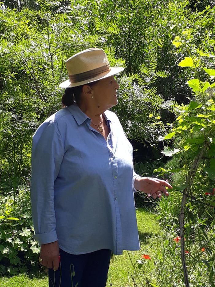 Journées du patrimoine 2018 - Découverte des jardins du prieuré de Laverré en compagnie de la propriétaire.