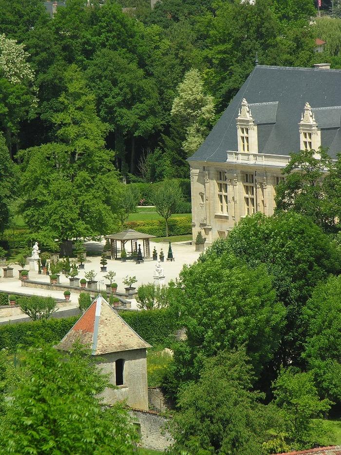 Journées du patrimoine 2018 - Découverte libre du pavillon de plaisance des ducs de Guise et de son jardin.