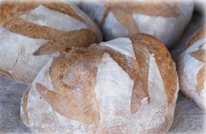Journées du patrimoine 2018 - Démonstration d'un paysan boulanger à l'écomusée de Montmorillonais