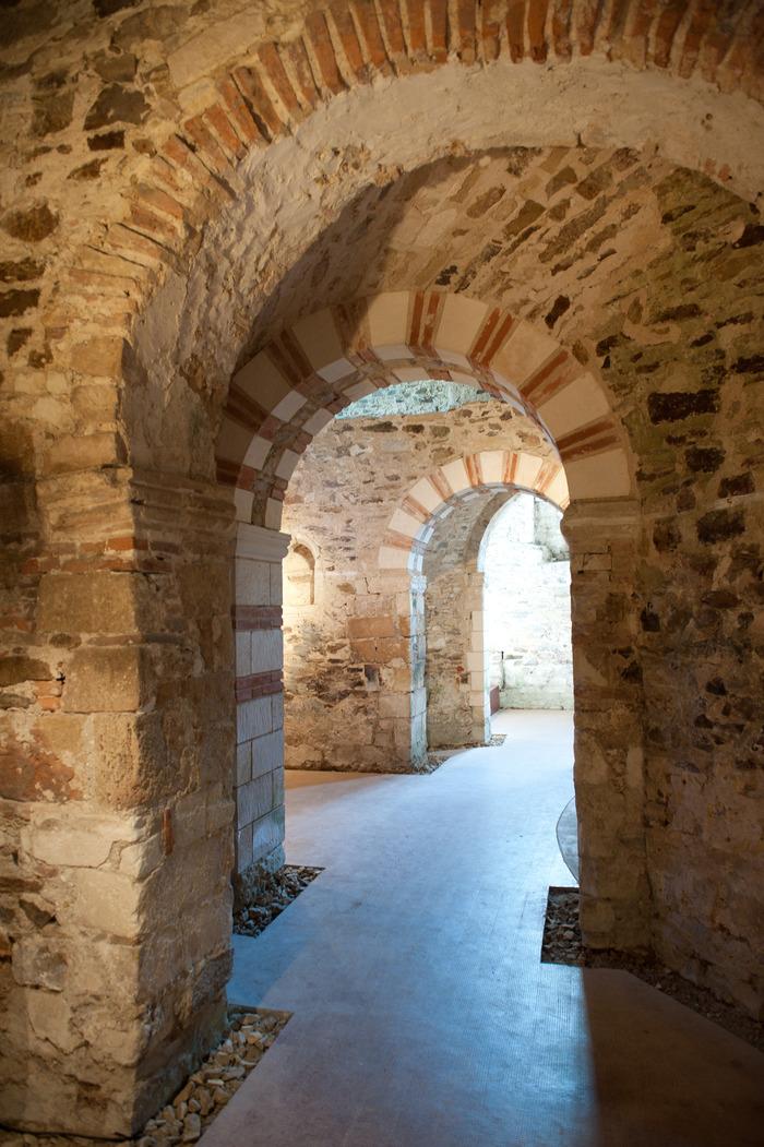 Journées du patrimoine 2018 - Démonstration de taille de pierres sur le Site de l'abbatiale - Déas