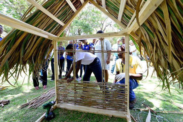 Journées du patrimoine 2018 - Démonstration de tressage bois et de paille de canne à l'Habitation La Sucrerie