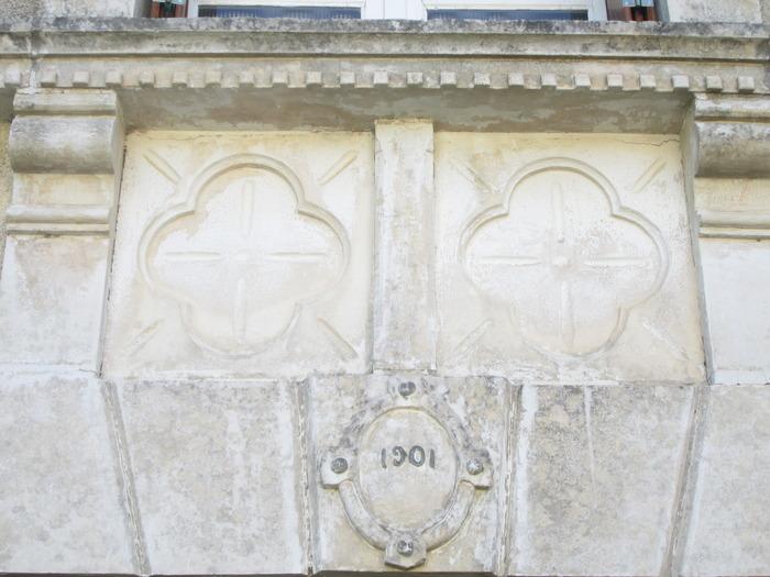 Journées du patrimoine 2017 - Démonstrations de taille de pierre sous les vieilles halles de Rouillé