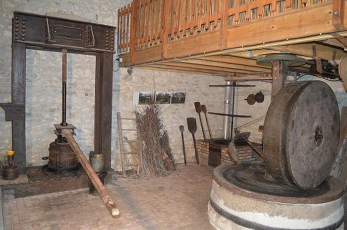 Journées du patrimoine 2018 - Démonstration de travail du métal à la forge dans une ferme du XVIIe siècle