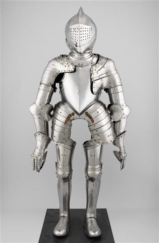 Crédits image : Armure de joute pour enfant réalisée vers 1560-1570 © Paris, musée de l'Armée dist. RMN-GP / Emilie Cambier