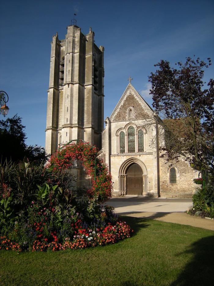Journées du patrimoine 2017 - Venez admirer la collégiale Saint-Pierre d'Appoigny