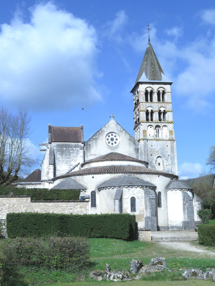 Crédits image : Chevet de l'église Saint-Etienne - Julen Marasi