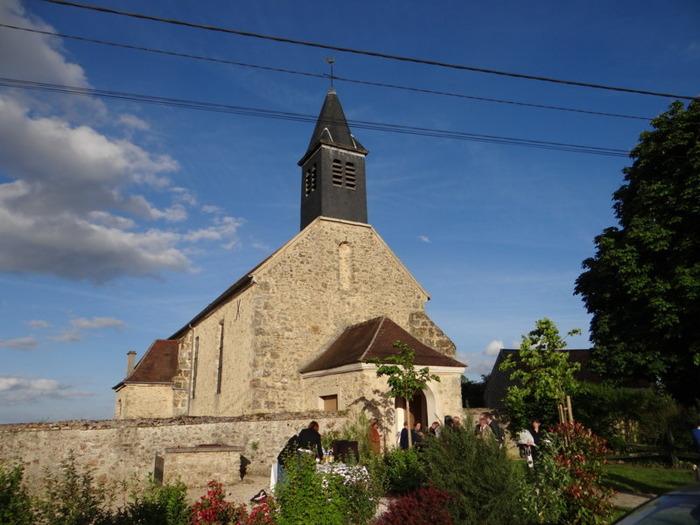 Eglise saint Jean l'Evangéliste de Boullay les Troux - Diocèse d'Evry - 91