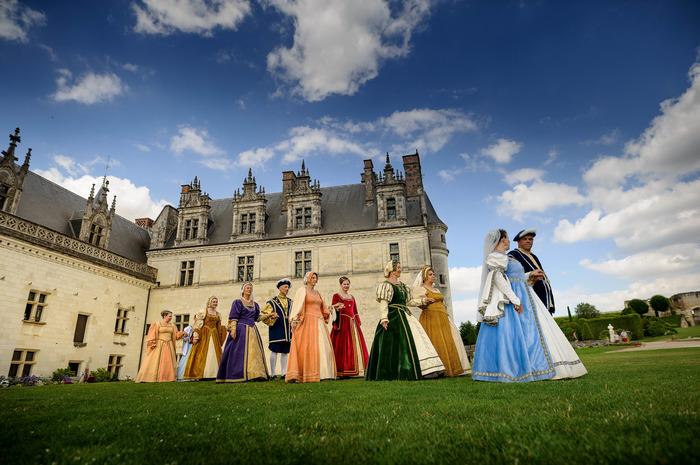 Journées du patrimoine 2018 - Déambulations de personnages costumés dans les jardins et le logis royal
