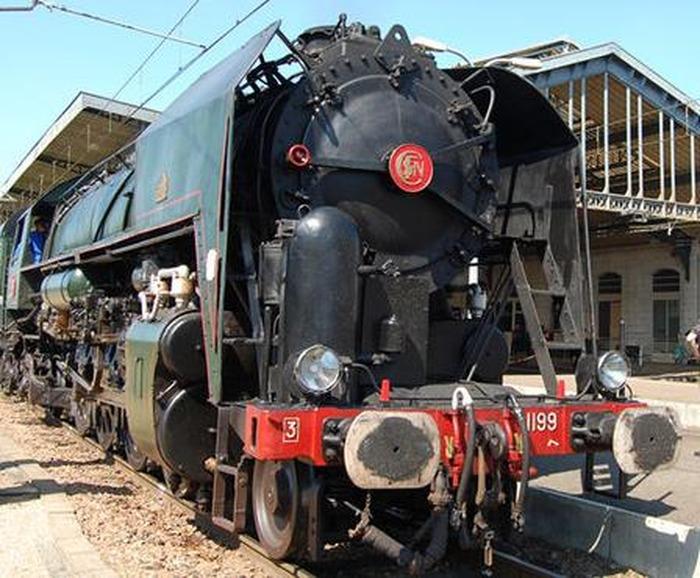 Journées du patrimoine 2018 - Exposition d'une locomotive à vapeur Monument historique (R 1199) en gare du Mans
