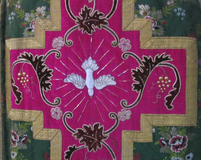 Journées du patrimoine 2018 - Bâtons de procession, tissus liturgiques et pièces d'orfèvrerie