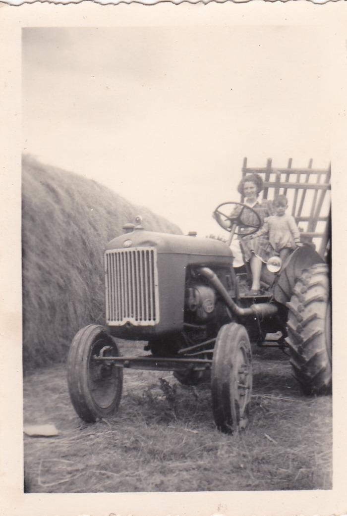 Journées du patrimoine 2018 - Exposition : matériels agricoles, voitures anciennes, vieilles motos : de quoi revivre  les années 1950.