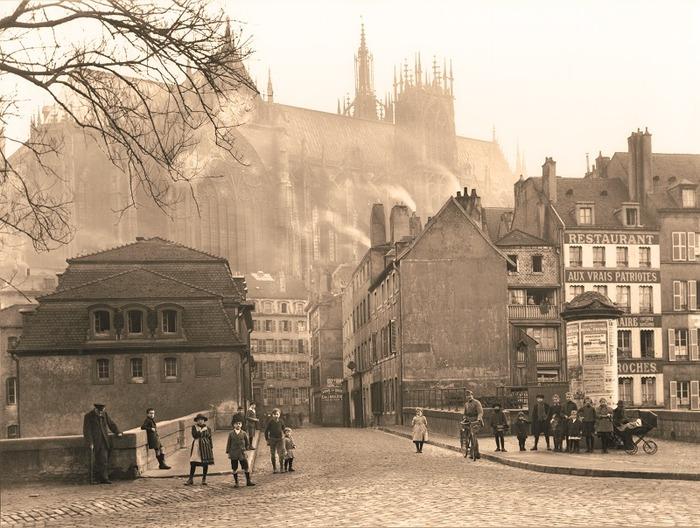 Journées du patrimoine 2018 - Exposition : vue de la cathédrale de Metz réalisée à partir d'une photo de Prillot