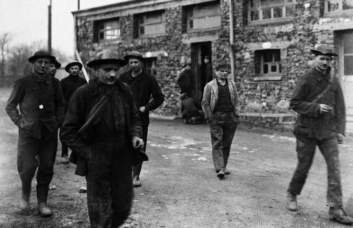 Crédits image : Mineurs au puits Bernard, cliché Valentin Roussière, Conservation des musées de Vendée