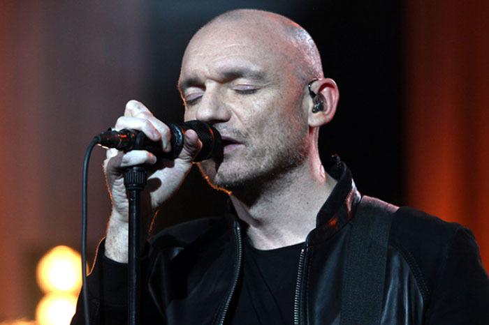 Gaetan Roussel en concert au Krakatoa