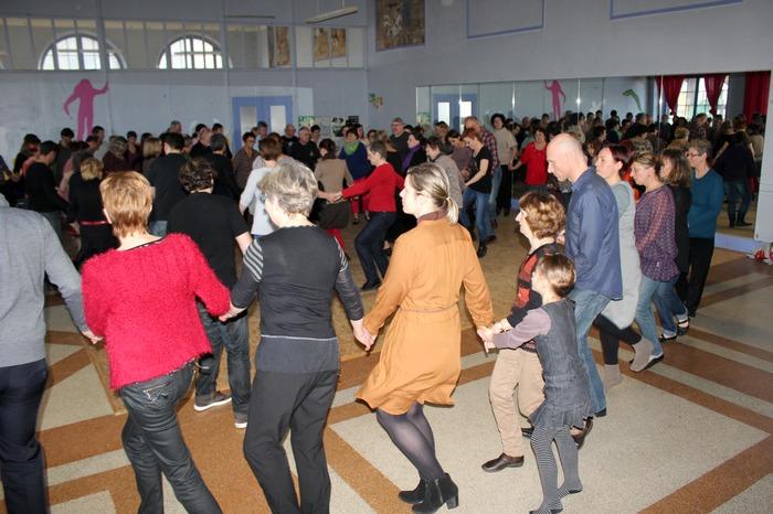 Groupe loisir : stage de danses bretonnes : ronds de Sautron
