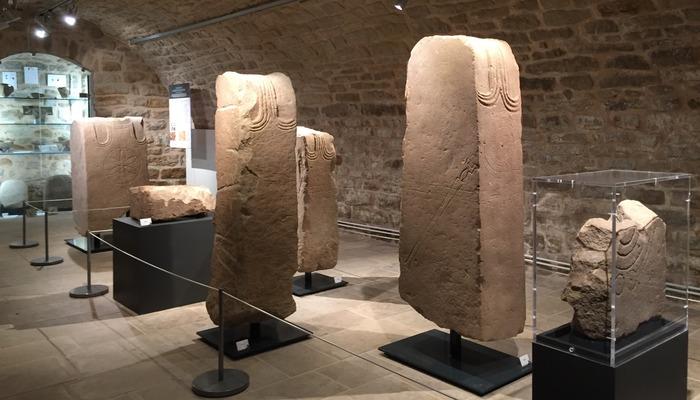 Journées du patrimoine 2018 - Exposition : Héros de Pierre. Stèles et statues de guerriers celtes du sanctuaire des Touriès