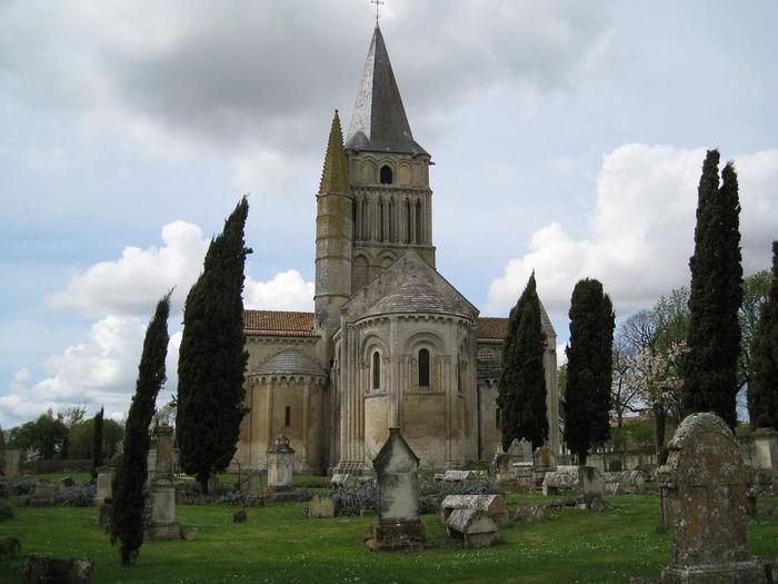 Eglise Saint-Pierre de Sales à Marennes - Diocèse de La Rochelle -Saintes - 17