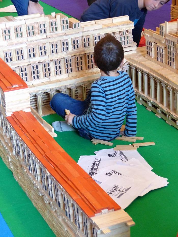 Journées du patrimoine 2018 - Jeux de société : atelier de reconstitution d'un édifice emblématique de l'histoire romanaise.