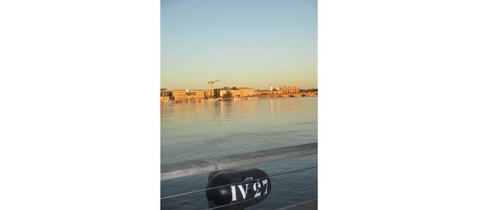 L'art contemporain au fil de l'eau / Bordeaux, du pont Chaban Delmas au Parc aux Angéliques